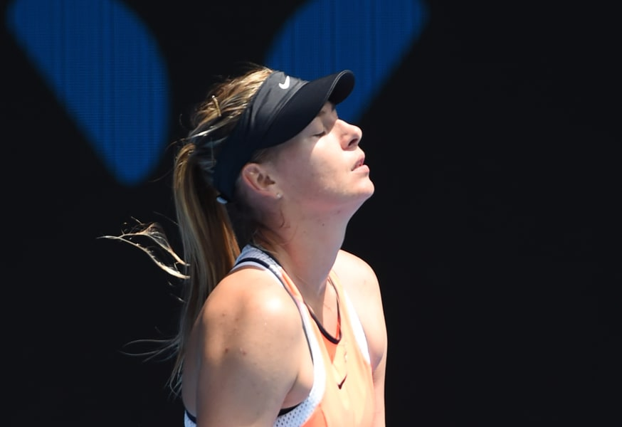 Sharapova eyes closed