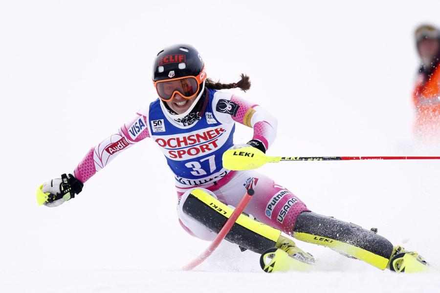 skiing gal 6