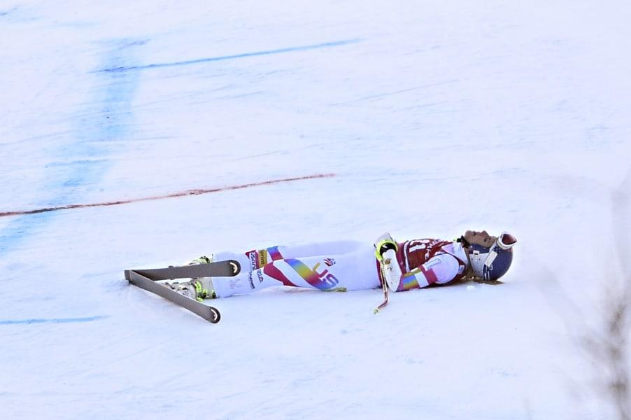 skiing gal 8