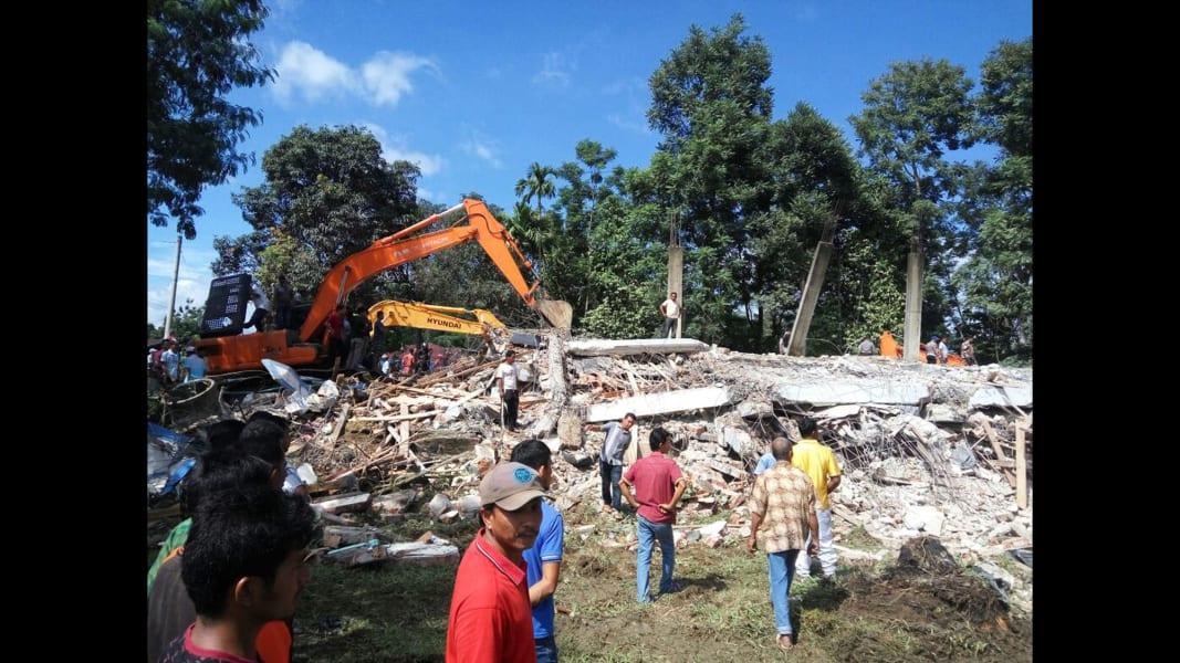 03 Indonesia earthquake 1207