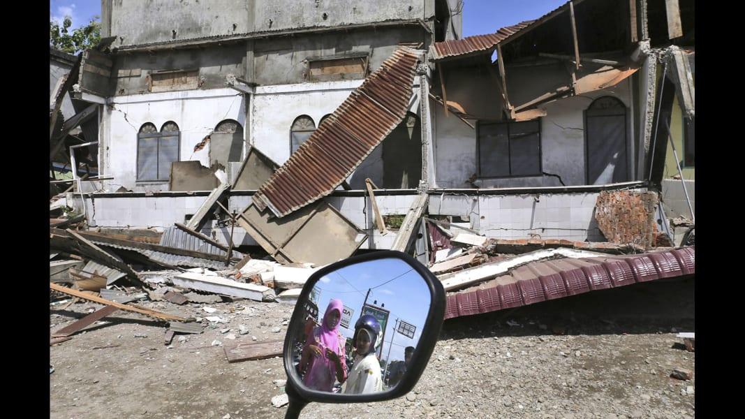 09 Indonesia earthquake 1207