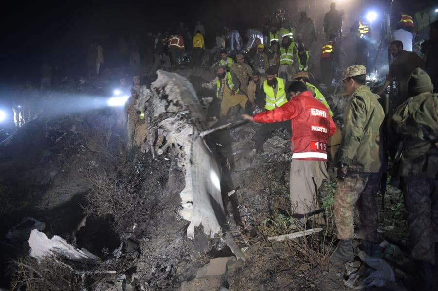 05 pakistan crash site