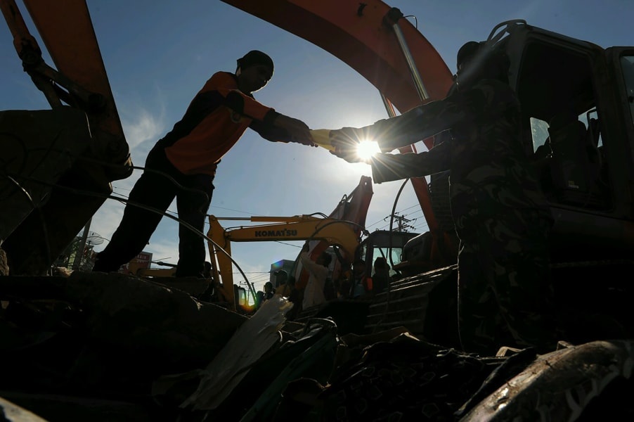 03 indonesia aceh earthquake 1208