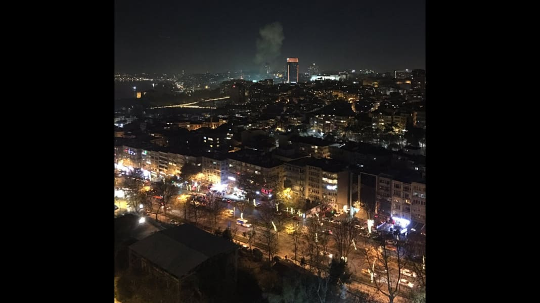 02 Istanbul explosion 1210