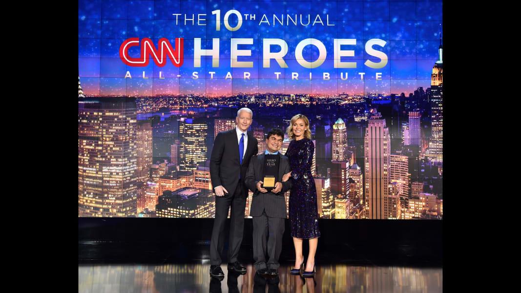 19 cnn heroes 1211