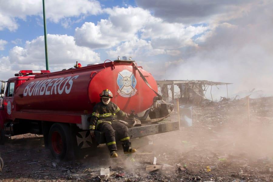 11 Mexico fireworks market explosion 1221