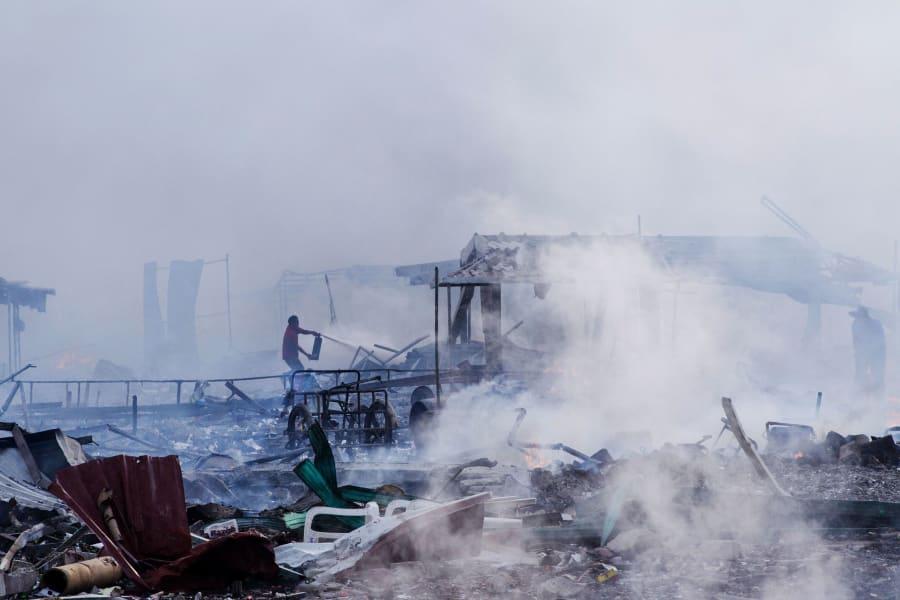 13 Mexico fireworks market explosion 1221