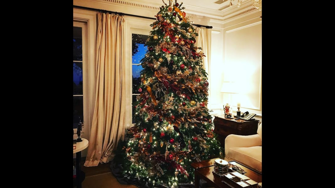 rob lowe christmas tree