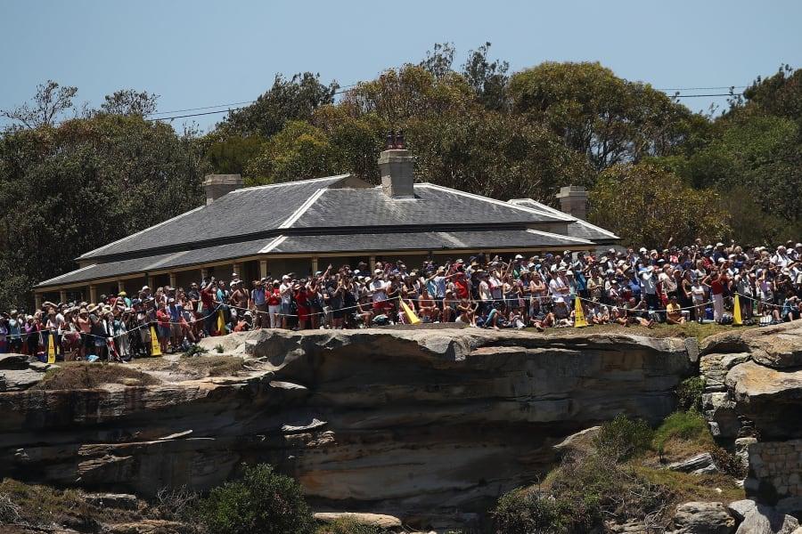 fans watch sydney hobart race