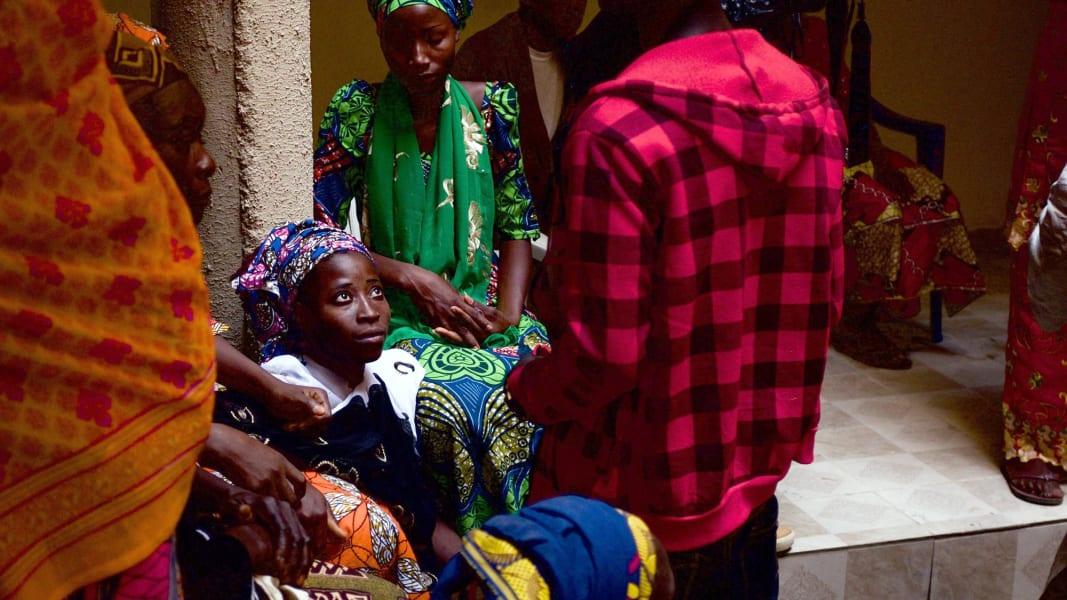 10 chibok girls return