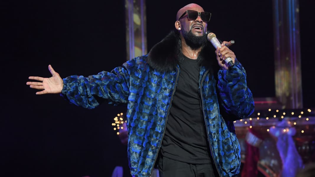 01 R. Kelly celebs turning 50 2017 RESTRICTED