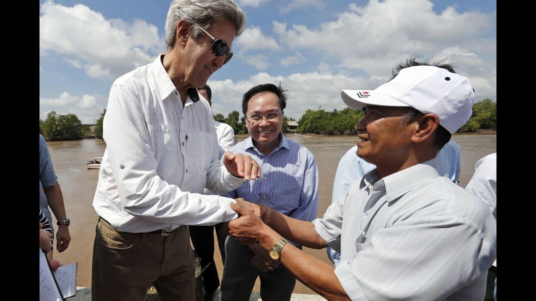 04 John Kerry Vietnam 0114
