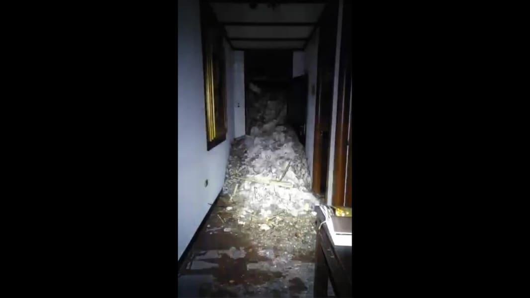 10 italy earthquake avalanche 0119