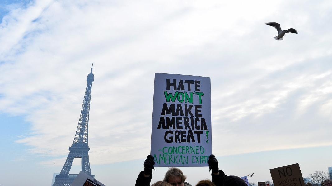 01 womens march paris RESTRICTED