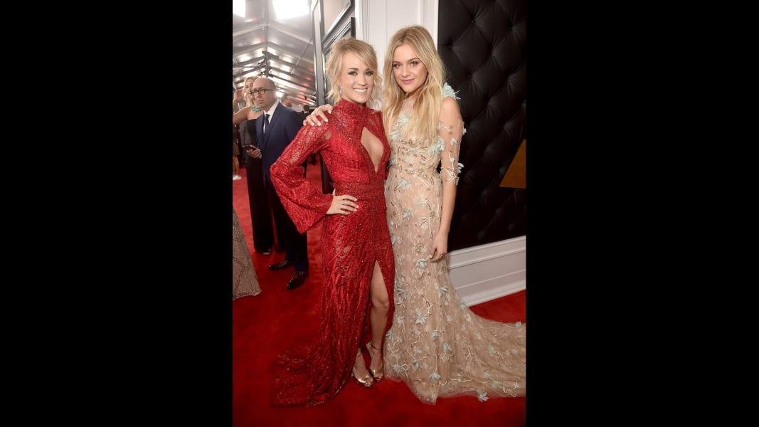 13 Grammys 2017 Red Carpet
