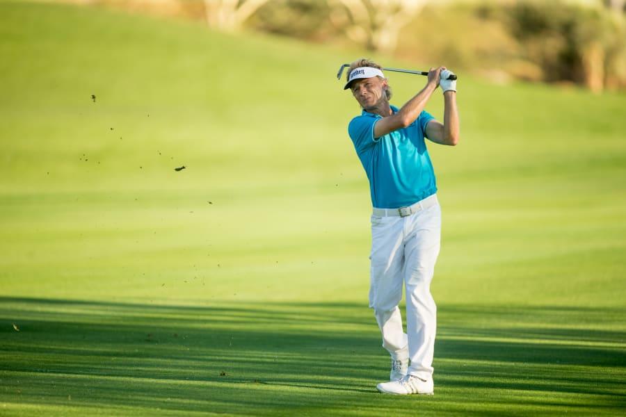 no. 1 golfers 19