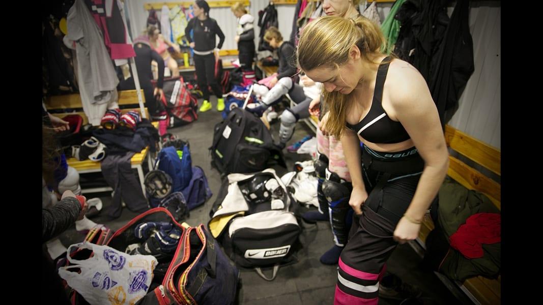 01_ukraine womens ice hockey_