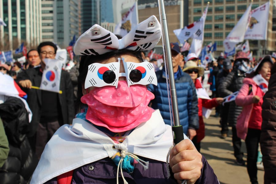 faces of seoul protests 01