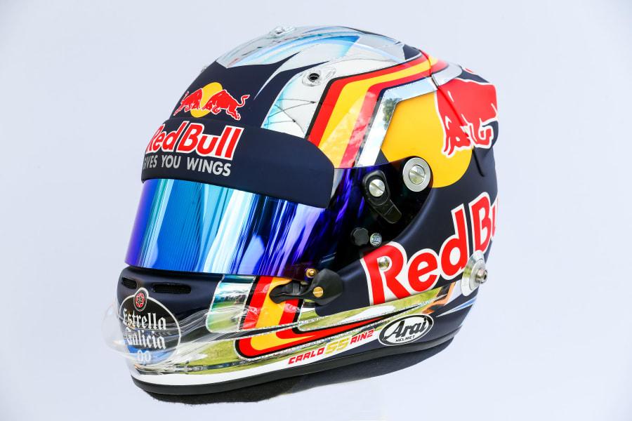 Carlos Sainz helmet