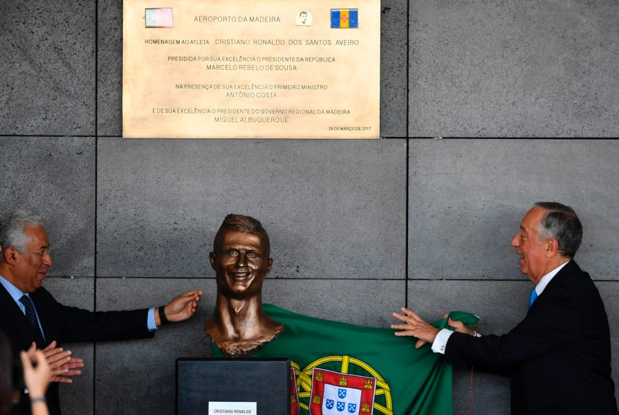 President and prime minister unveil the ronaldo bust madeira airport