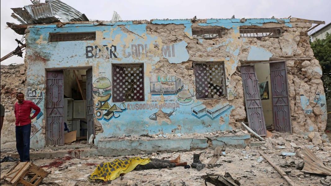 04 Mogadishu Somalia car bomb 0409