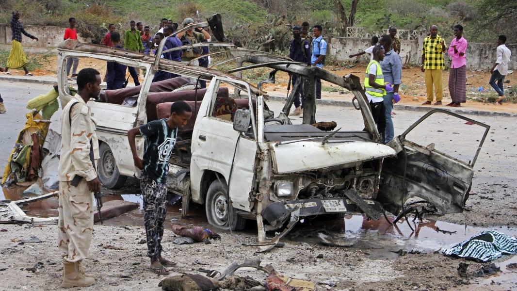 06 Mogadishu Somalia car bomb 0409