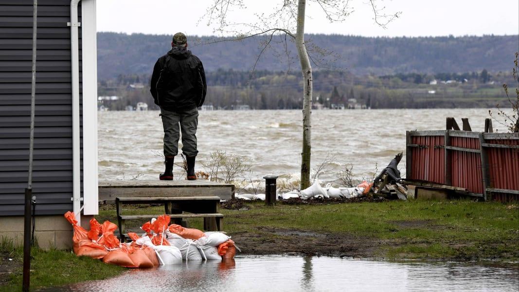 08 Canada flooding 0508