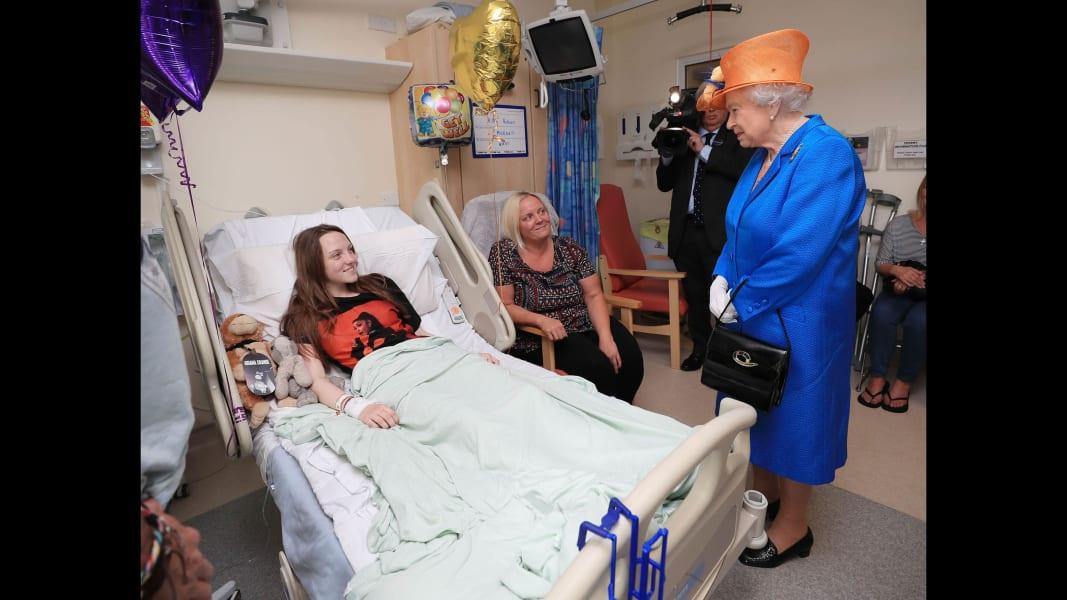 02 Queen Elizabeth Manchester hospital 0525