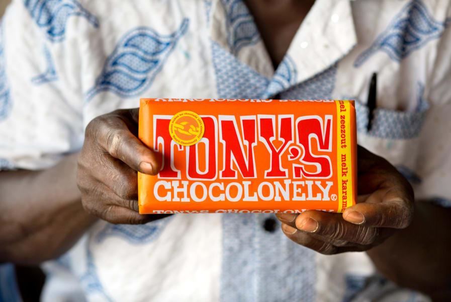 tony's chocolonely holding bar