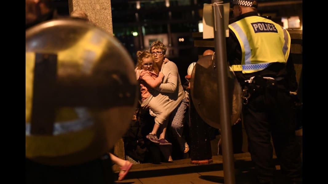 02 London Bridge incident 0604