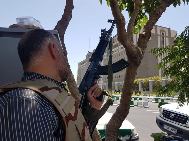 04 iran blast 0607
