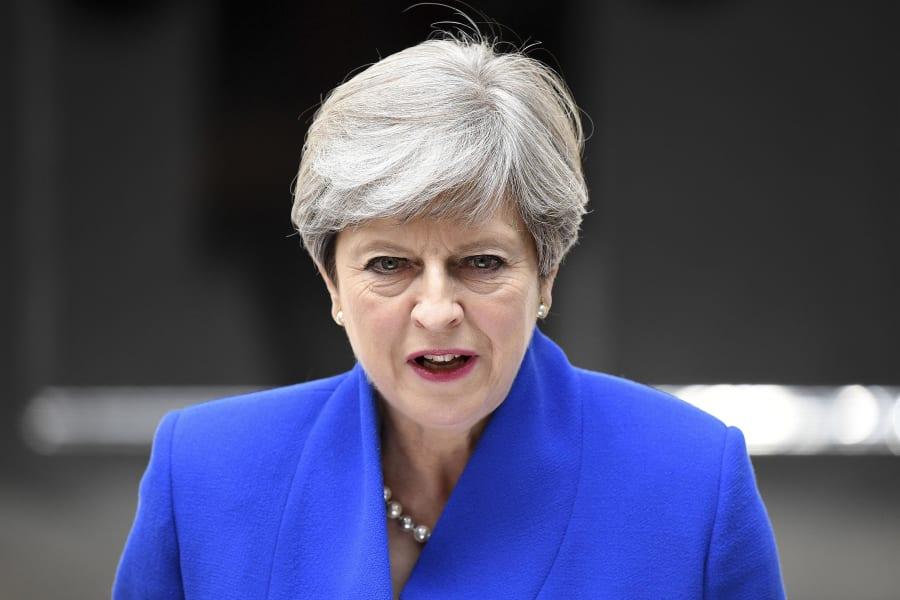 11 Theresa May 0609