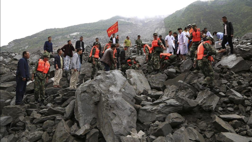 02 China landslide 0624