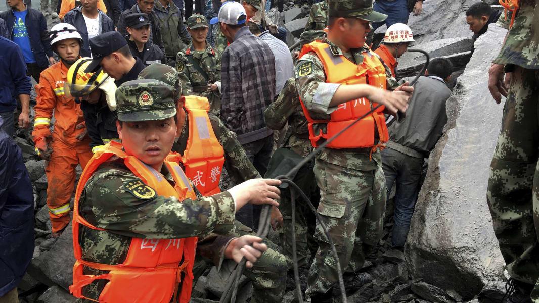 04 China landslide 0624