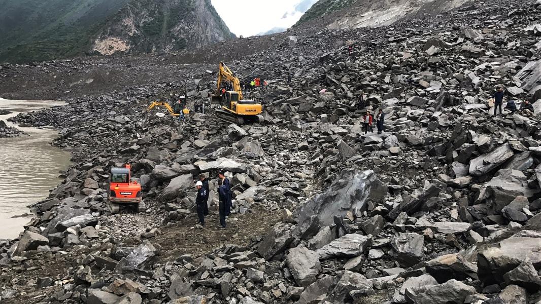 05 China landslide 0624