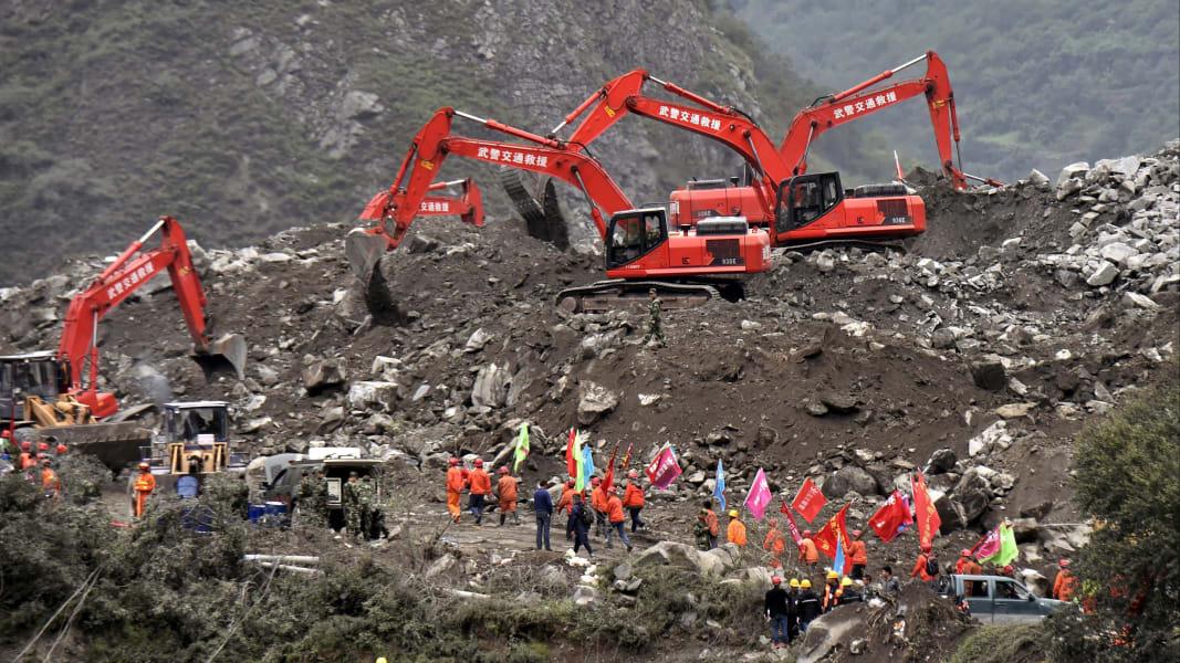 02 China landslide 0625