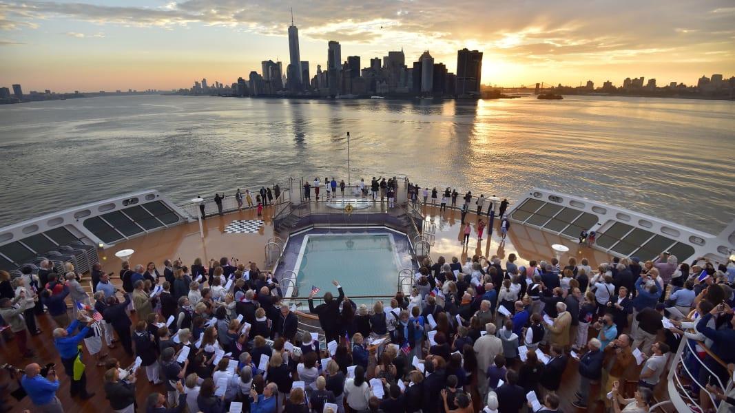 08 transatlantic race Queen Mary trimaran new york