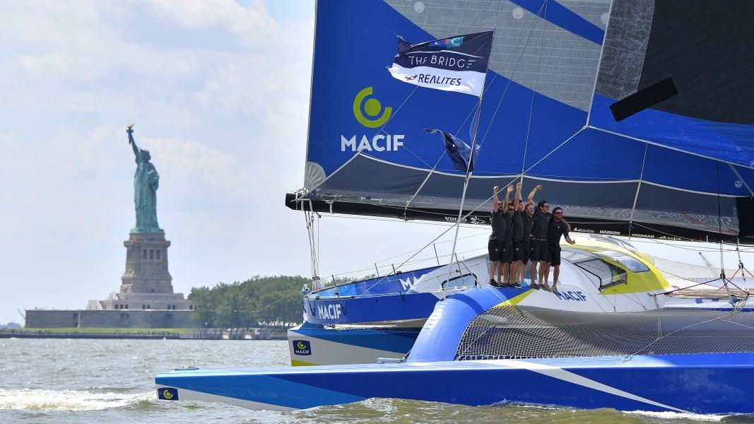 09 transatlantic race Queen Mary trimaran new york