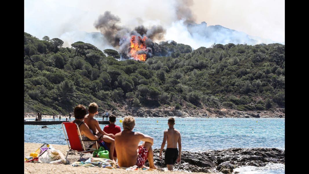 03 france wildfire 0726