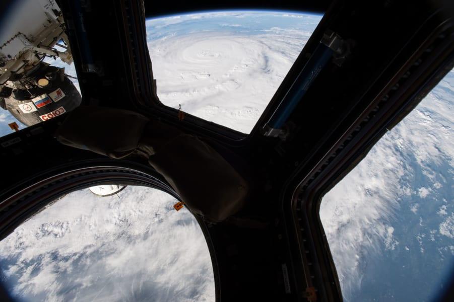 18 hurricane harvey 0825 space station