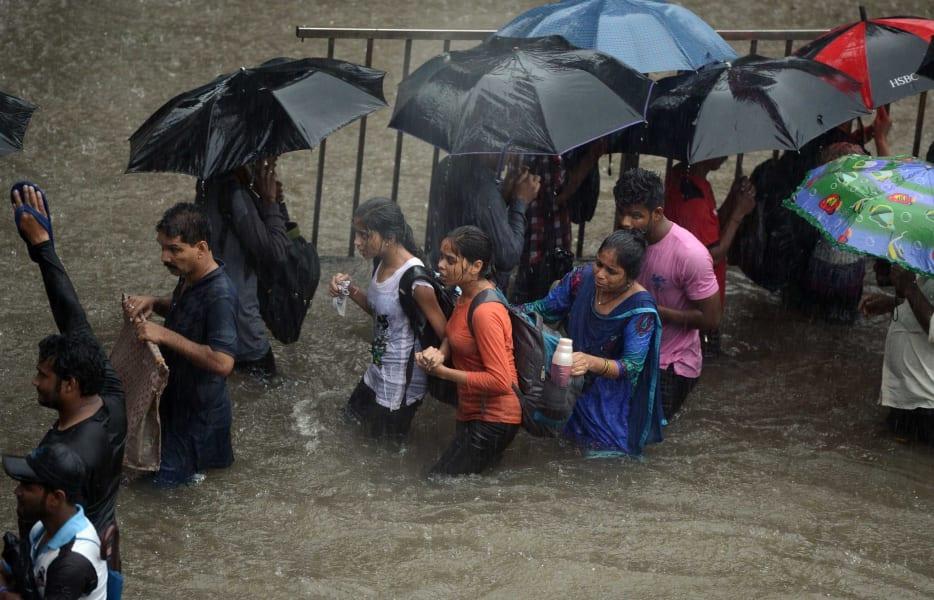 03 Mumbai rain 0829