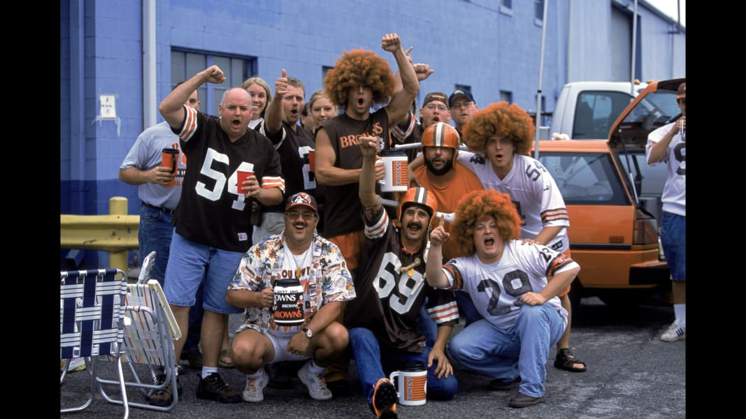 07 Tailgating through the years