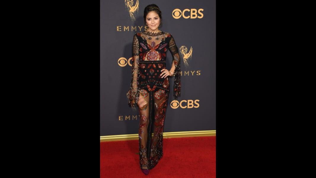 10 Emmys 2017 red carpet