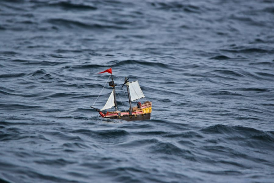 playmobil pirate ship open seas