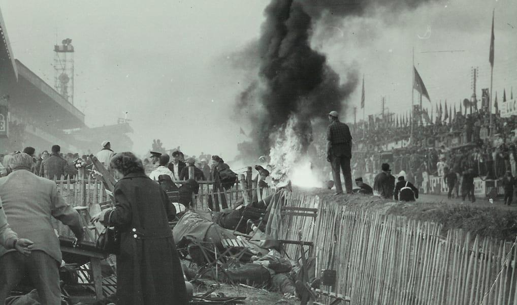 f1 ferrari 1955 le mans crowd