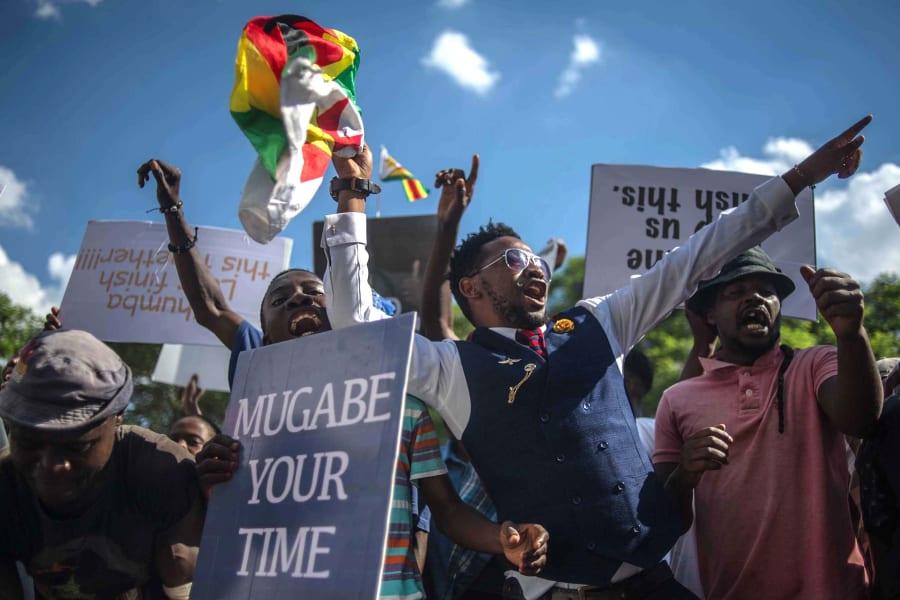 04 Mugabe resignation reaction 1121