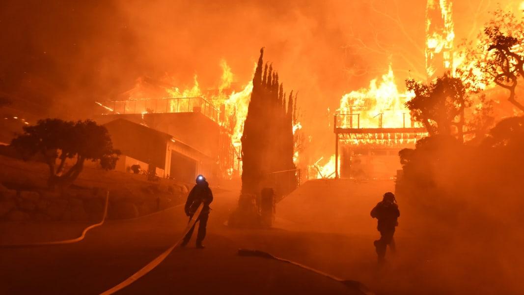 06 California Thomas Fire 1205