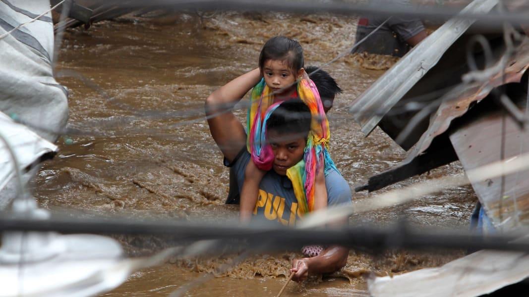 05 Philippines flooding 1223