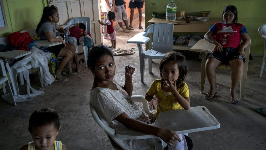 01 philippines flooding 1226