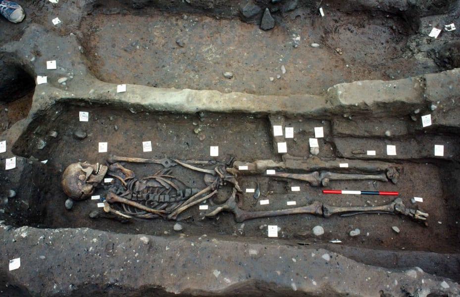 03 repton viking burial site
